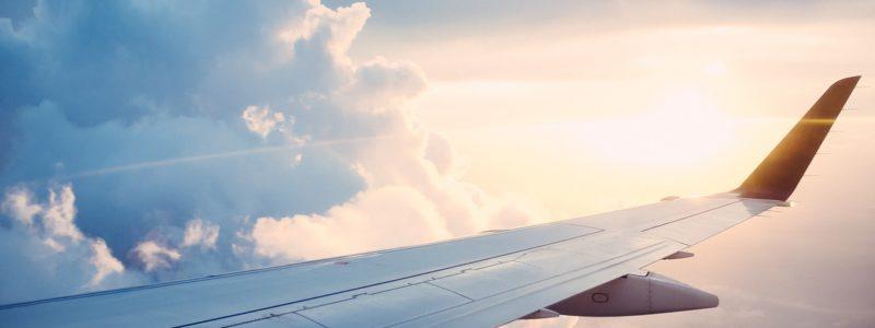 Samolot w chmurach